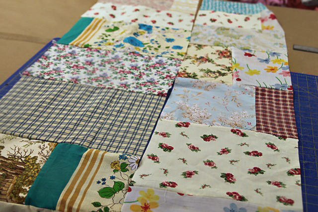 A Patchwork Tent step 7 (A Tutorial) via lilblueboo.com