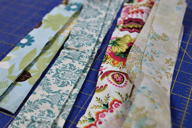 How to use strips of fabric for garland
