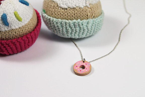 Donut necklace accessory diy tutorial via lilblueboo.com