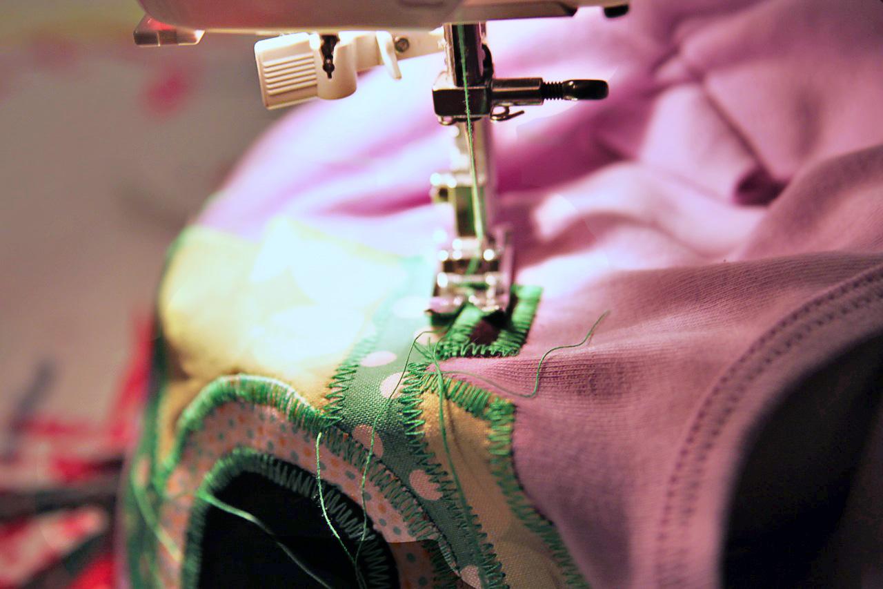 Vintage Camera Applique Download Stitching via lilblueboo.com