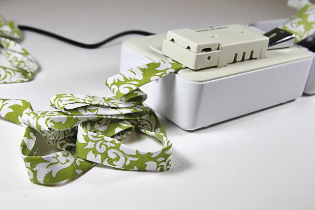 Bias Tape Tutorial and Crafts via lilblueboo.com