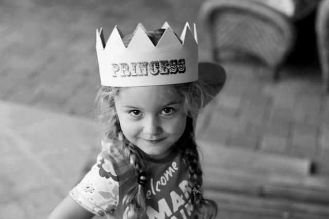 How to make a party crown final via lilblueboo.com
