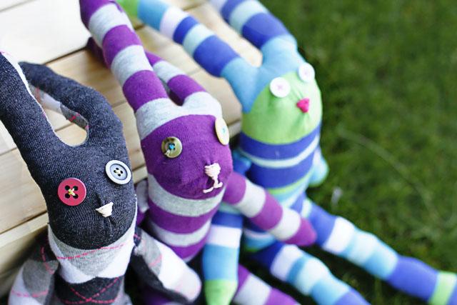 Sock Bunnies! DIY Tutorial via lilblueboo.com