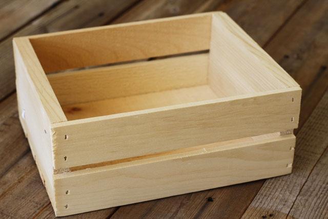 Make a Rustic Crate 1 (A Tutorial) via lilblueboo.com
