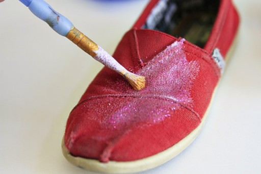 Paint Layer of Glitter on TOMS via lilblueboo.com