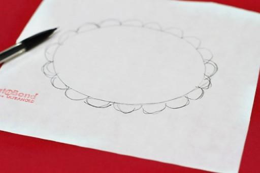 Make a Scalloped Applique via lilblueboo.com