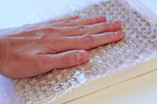 Printing with bubble wrap via lilblueboo.com