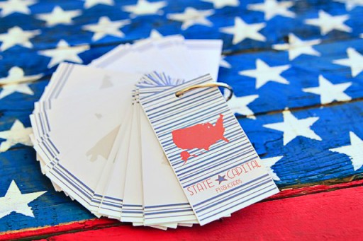 Learning the States and Capitals Flashcards by Pen and Paint via lilblueboo.com #teaching #states #learning #teachers