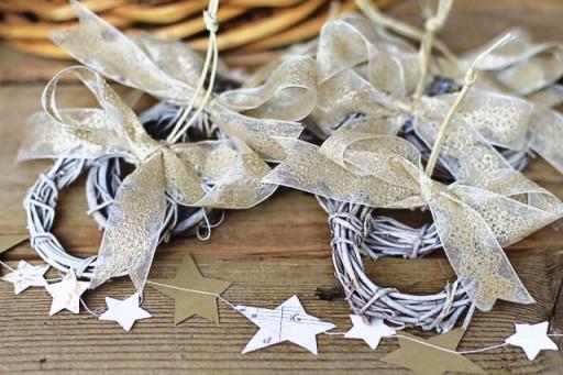 How to make paper garland via lilblueboo.com
