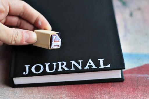 How to Make an Art Journal via lilblueboo.com
