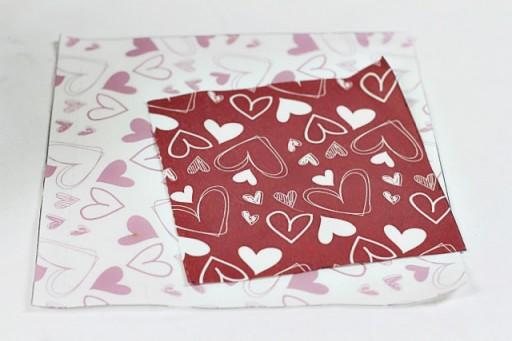 How to Make a Pillow with a Pocket via lilblueboo.com