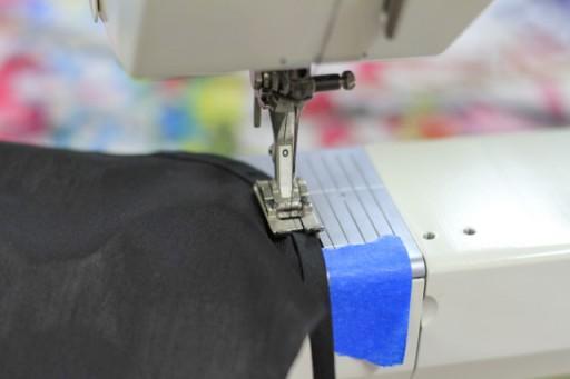 Sewing on bias tape via lilblueboo.com
