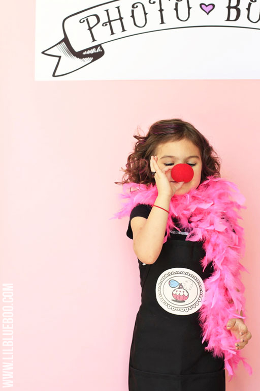 DIY Photo Booth Banner Printable available via lilblueboo.com