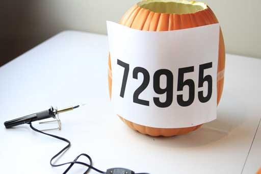 Pumpkin Carving Ideas via lilblueboo.com