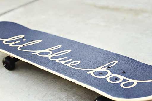 How to make a custom skateboard via lilblueboo.com #skateboard #diy #gift #handmade