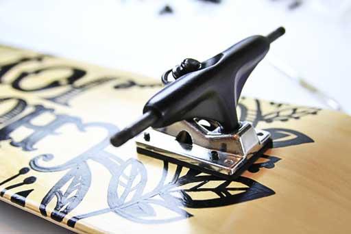How to attach trucks to a skateboard  via lilblueboo.com #skateboard #diy #gift #handmade