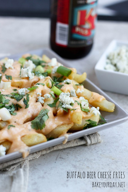 Football Food: Buffalo Beer Cheese Fries via Bake Your Day