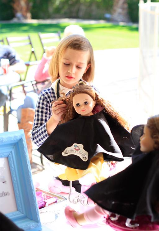 Salon Stations at the Beauty Salon and Doll Party via Ashley Hackshaw / lilblueboo.com