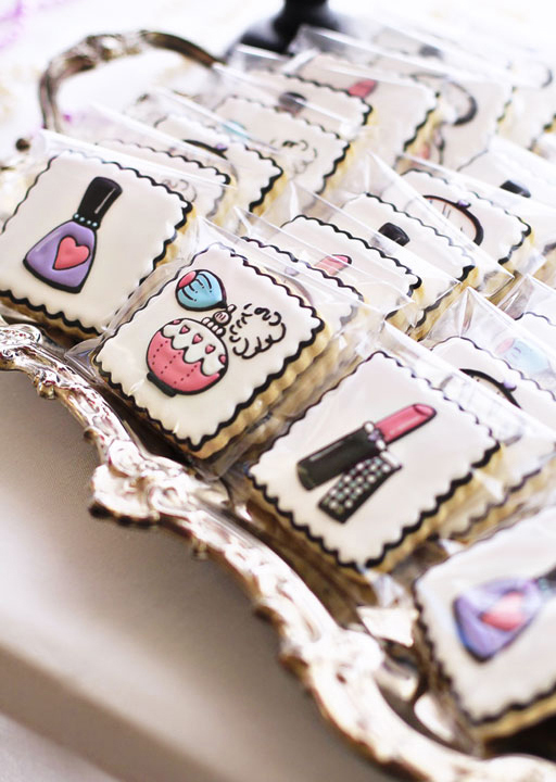 Cookies for the Beauty Salon and Doll Party via Ashley Hackshaw / lilblueboo.com