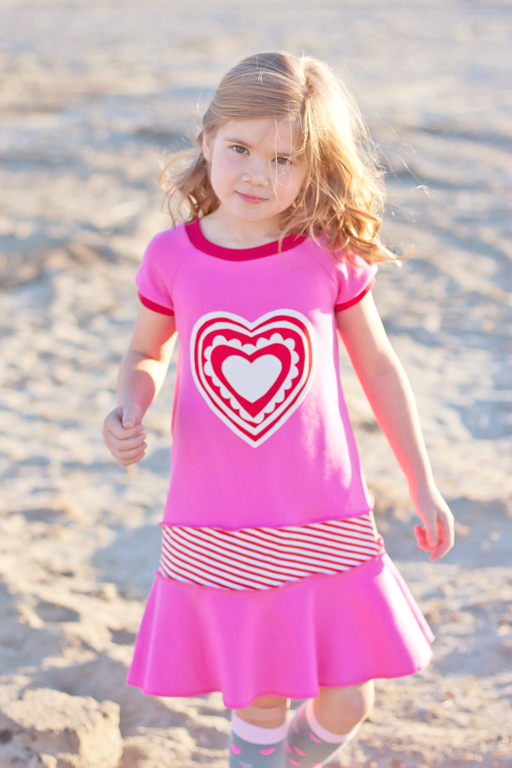 Pink and Red Knit Heart Dress for Valentine's Day via Ashley Hackshaw / lilblueboo.com #valentinesday #valentine