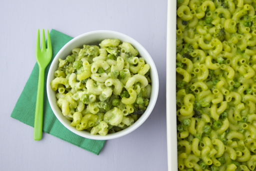 St. Patrick's Day Food Ideas: Green Mac & Cheese by Weelicious via Ashley Hackshaw / lilblueboo.com