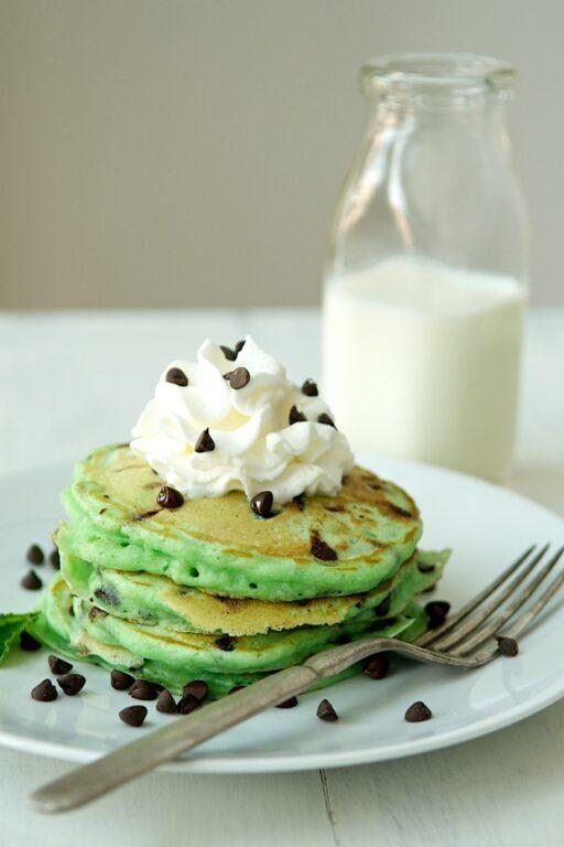 St. Patrick's Day Food Ideas: Green Pancakes via Style Blueprint Memphis at Ashley Hackshaw / lilblueboo.com