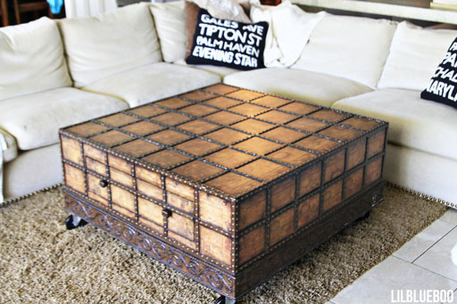Our coffee table on wheels via Ashley HAckshaw / Lil Blue Boo