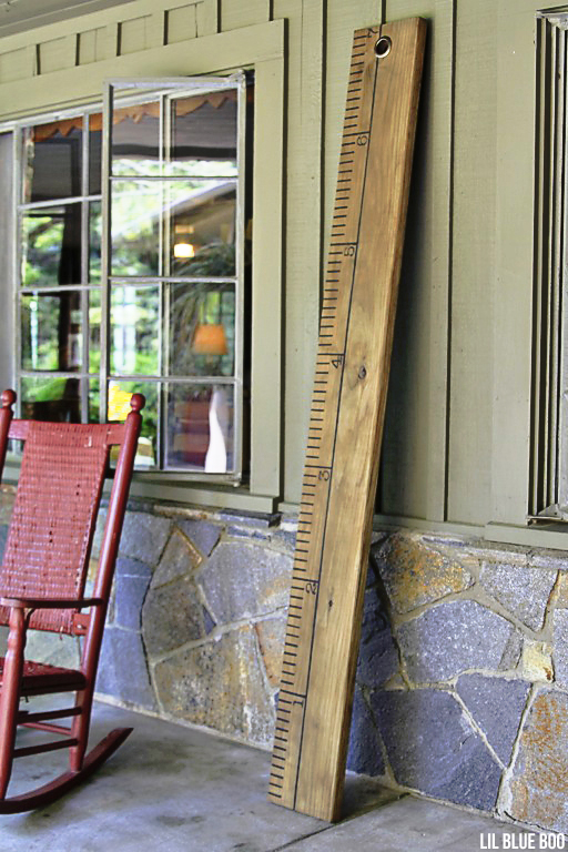 Rustic Chic - A Giant Wood Ruler - Home Decor Project Ideas