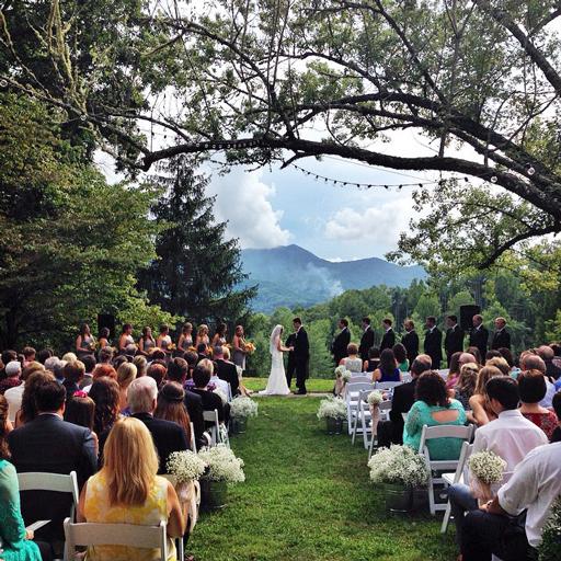 wedding photo mountains bryson city hemlock inn