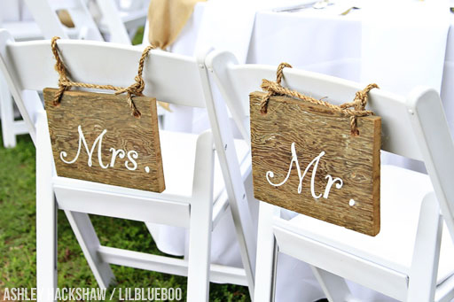 mr and mrs signs for wedding chairs