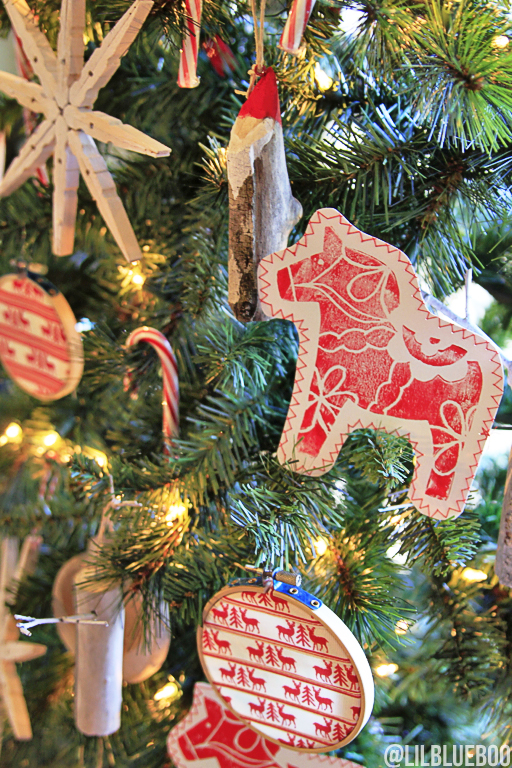 Rustic Country Christmas Tree ornament DIY #tagatree #michaelsmakers