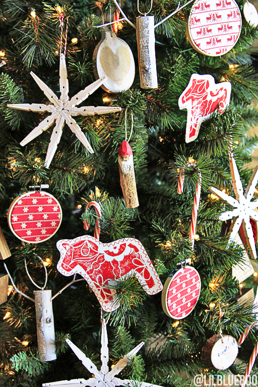 Red and white Christmas Tree ornaments DIY #tagatree #michaelsmakers