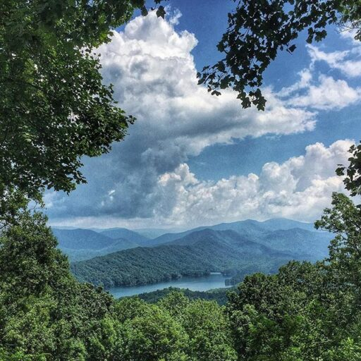 Fontana Lake on the way to Fontana Dam