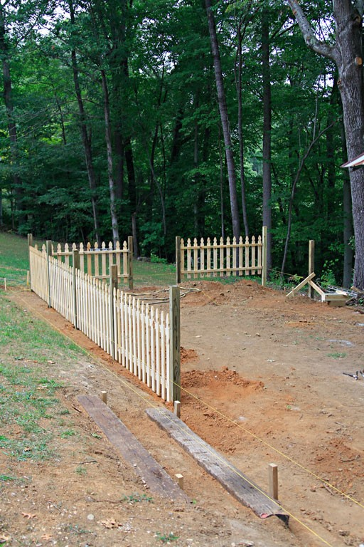 How to Build a Custom Picket Fence - DIY