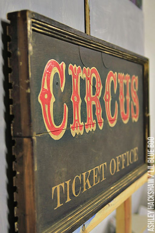 How to make a circus sign - circus font lettering - how to make old signs