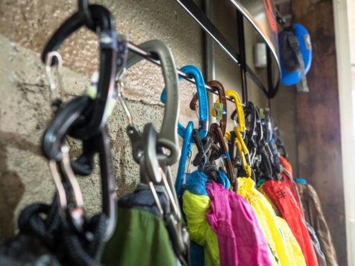 Outfitter Bryson City - Outdoor Retail Smoky Mountains Nantahala Tuckasegee