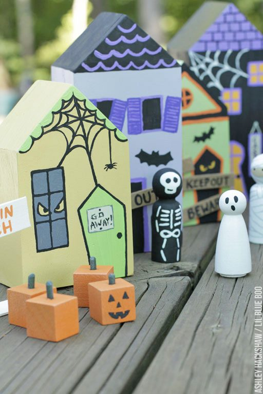 Halloween Peg Dolls and Village - DIY Paint Your Own