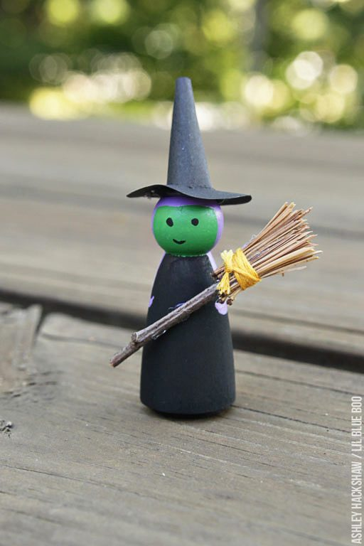 How to paint a Halloween witch peg doll - peg doll tutorial