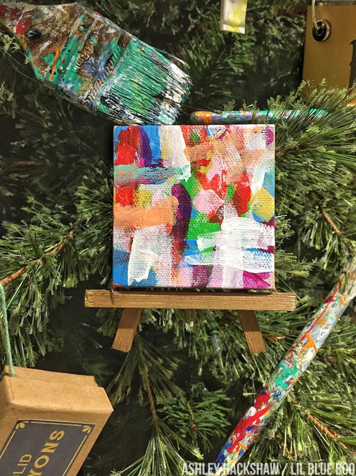 DIy Christmas ornaments - Tiny paintings on easels