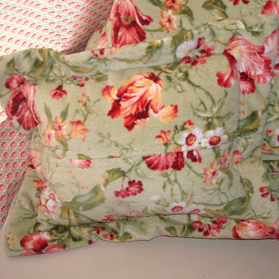 The Easiest, Softest, Cheapest Floor Pillows 3 Ever via lilblueboo.com