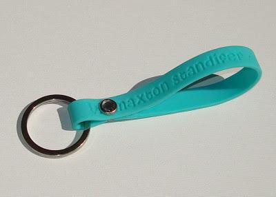 Turn a Cause Bracelet into a Keychain via lilblueboo.com