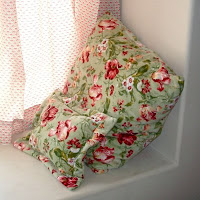 Top tutortials week - easiest, softest,k cheapest floor pillows ever via lilblueboo.com