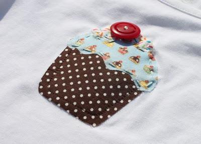 Free Cupcake Applique Template 2 via lilblueboo.com