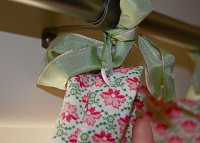 Hand-Sewn Ribbon-Top Curtain Tutorial plastic rings via lilblueboo.com