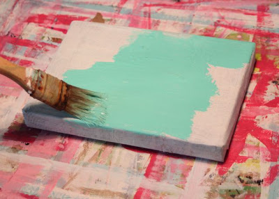 How to make a distressed folk art-style painting. DIY tutorial painted canvas via lilblueboo.com