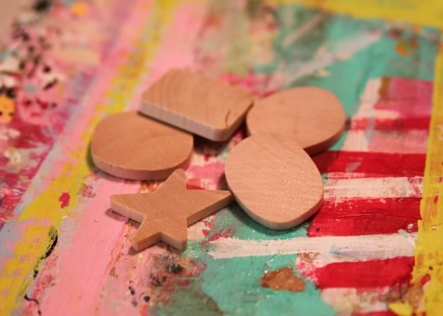 Wooden Pendant Necklaces (and Keychain) Tutorial 4 via lilblueboo.com