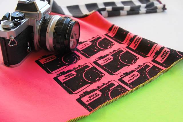 Camera Art Free Download for DIY crafts and clothing #photography via lilblueboo.com