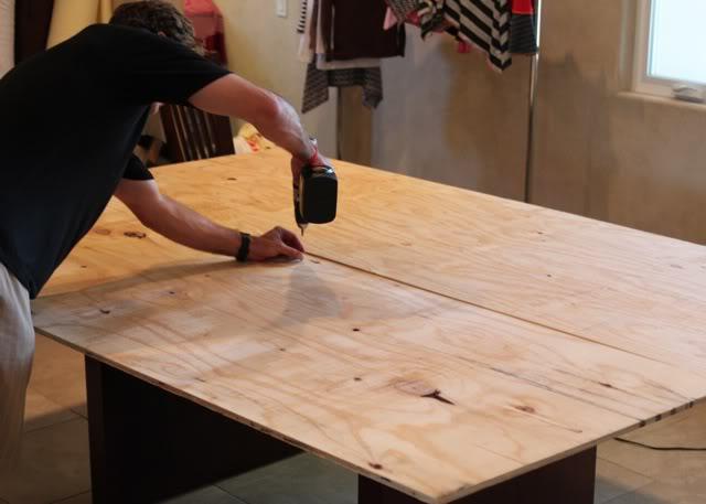 How to make a silk screening / ironing table via lilblueboo.com