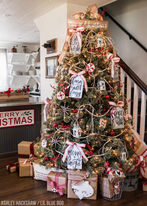 Farm Sweet Farm - A Modern Farmhouse Christmas Tree for 2018