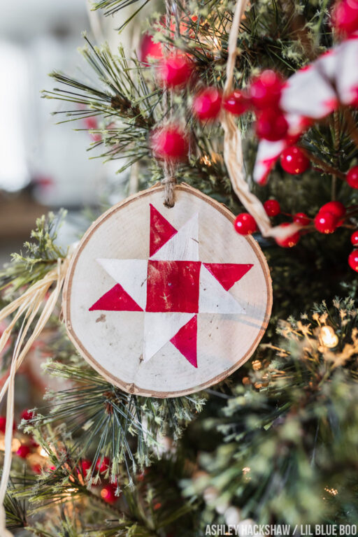 Quilt Christmas Tree Ornaments - Make your own wood ornaments - Christmas Quilt Squares